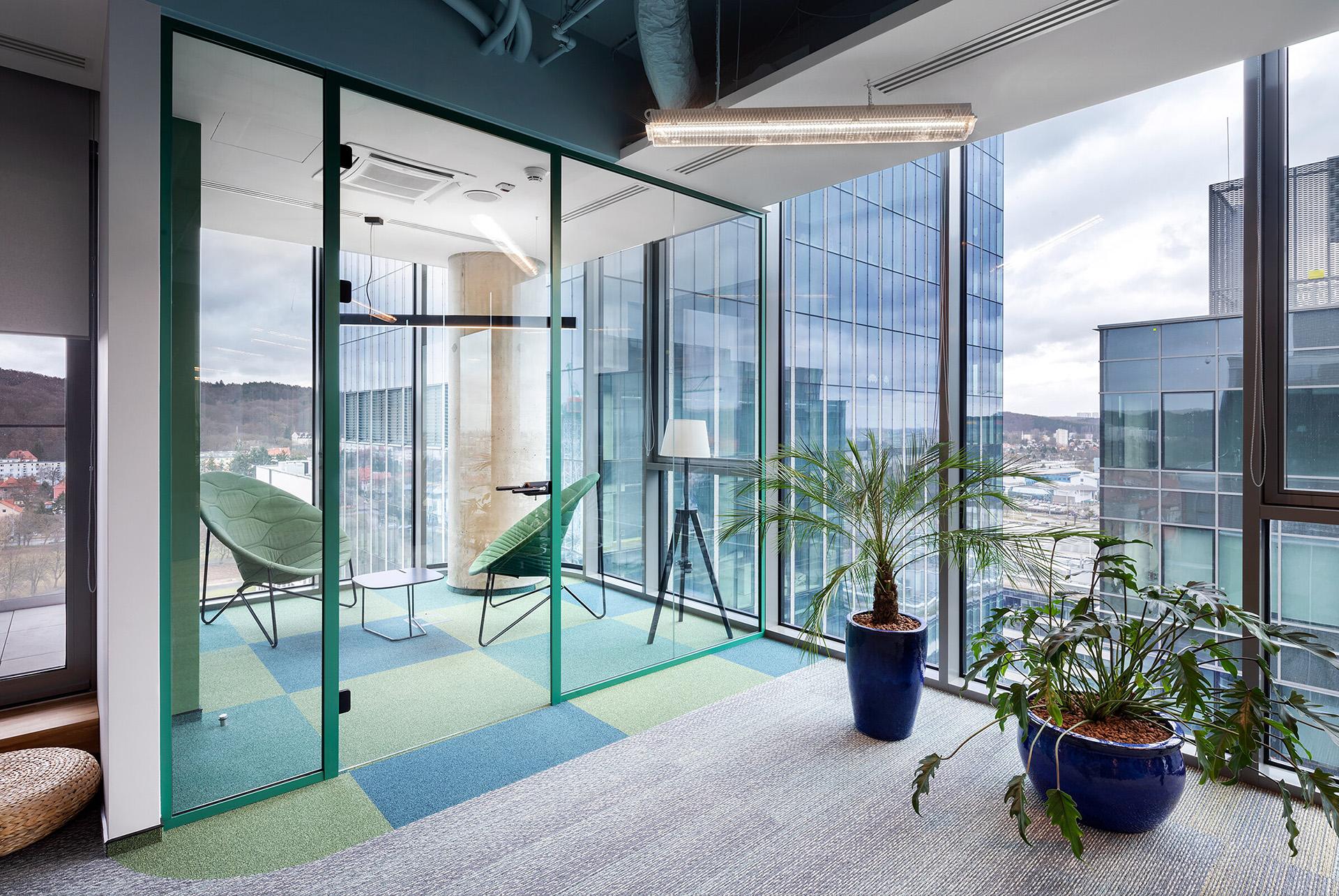 Systemowe drzwi szklane do biura